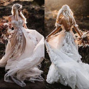 Bohemian Off Shoulder Wedding Dresses 2021 Fairy Tulle Skirt Sexy Backless Lace Appliqued Floral Country Outdoor Bride Gowns