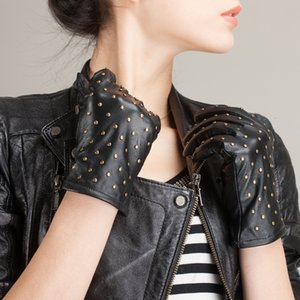gloves, sheepskin men rivet Short in style women autumn and winter personality to keep warm leather gloves