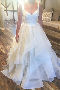 Unique Design V-neck Bride Dress Tiered A-line Long Wedding Party Dress Bridal Wedding Gowns Custom Made