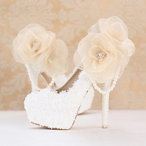 2020 Sweetness White Lace Bridesmaid Shoes Customized Platform Bridal Dress Shoes Party Prom Pumps Popular Wedding