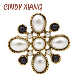 Cindy Xiang New Llegada Simulated-Pearl Cross Broches para las mujeres Vintage Baroque Pins Body Bouquet Broche Joyería de moda1