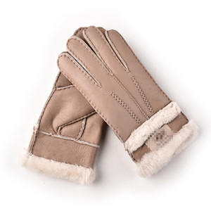 High Quality European and American designer windproof leatherGenu gloves lady touch screen fur mouth winter heat preservation wind style