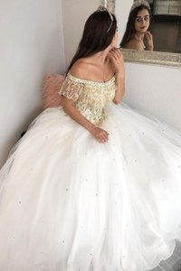 Gold Embroidered Beaded White Quinceanera Dresses Boho Off The Shoulder Tulle Ball Prom robes Gowns de soirée Sweet 16 Dress 15 Girls