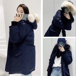 Top Quality Women Winter Down Jacket Colletto in pelliccia con cappuccio Esterni Cappotto caldo e antivento con cappuccio rimovibile Ladies Down Parka Vera pelliccia di lupo reale