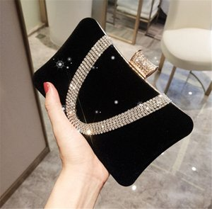 New Fashion High Quality Evening Handbag Black Red Banquet Bag Bridal Hand Bags Dinner Party Single Shoulder Small Square Bag with Crytals