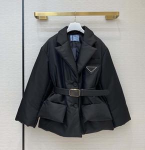 Le donne del progettista del cappotto parka Le donne con l'hardware triangolo invertito donne inverno spesso SuitsBlazers cappotto stile Vieni con cintura Taglia 36 38 40
