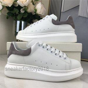 Men Women Casual Shoe Breathable Fashion Comfort Platform Scarpes Flat Scarpe Black Velvet Glitter Chaussures Dress Shoes Leisure Trainers
