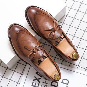Yomior New Designer Chaussures Homme de haute qualité Chaussures Casual Vintage Tassel Robe de cérémonie de mariage Mocassins Flats