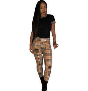 2020 Femmes 2Pcs Costumes Vêtements Lettre Marque Mode Designer Imprimer Femmes Survêtement à capuche manches longues Pantalons sport Ensembles