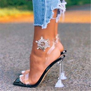 Fashion Square Toe Verão Mulheres Sandálias Transparentes Rhinestone Spike Saltos Fino Fino Fivela Fivela Festas Festa Dress Senhoras Sapatos