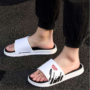 Summer Flip Flops Man Slippers Non-slip Bathroom Slipper Male Soft Bottom Indoor & Outdoor Home Couple Slides Mens Shoes T200408