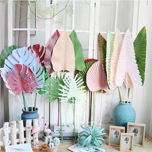 Coloreadas de hojas de palma artificial de hojas de monta de plástico flores decorativas para la carretera de boda plantas artificiales principales para la decoración del hogar wy1196
