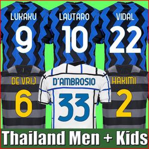 ERIKSEN Lukaku LAUTARO casa lontano Inter Milan 2019 2020 2021 Milano maglia da calcio BARELLA camicia top 19 20 21 di calcio Uomo Bambini Kit imposta uniforme