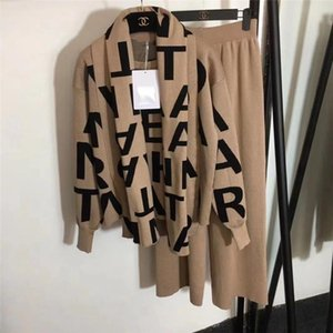 Carta de mulheres camisola Knited + calça + Cabo Scarf Longo 3PCS Suits malha Pullovers Cappa Wraps Calças boca Conjuntos