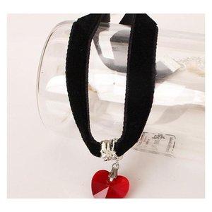 Gothi Velvet Necklace en forma de corazón Colgante de cristal Gargantilla de encaje negro Peach Heart Necklace W Sqckki DH_Seller2010