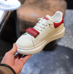 Designershoes für Männer Frauen arbeiten Plattform Brandsneakers Leder und Wildleder Mens flache Luxusfreizeitschuhe im Freien Gehen MC01 20022702W