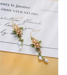 2020 new orange blossom elegant retro green leaf pearl flower earrings clip female earrings two styles 147
