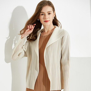 Miyake new Style women's dress 2020 autumn European American lapel shirt top Middle East meter white fold small jacket TP50921