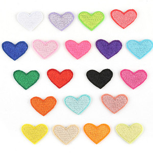 Wholesale woven pacthes clothes heart embroidery patch sew iron on customize patches for clothing