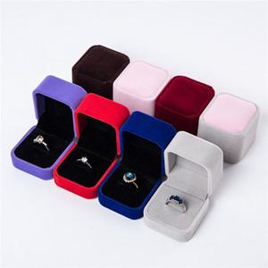 Scatole regalo Gioielli in velluto Scatole di Design Quadrato Display Display Show Case Matrimoni Party Coppia Confezione Packaging Box per orecchini ad anello 55 * 50 * 45mm GWF4328