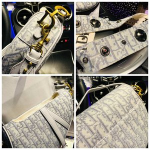 2020 latest grey classic saddle bag canvas fabric, old hardware, imported materials original fabric inside with zipper compartment