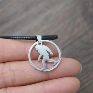 Anhänger Halsketten 10 stücke Edelstahl Runde Bigfoot Sasquatch Halskette1