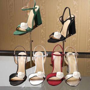 Classic High Heeled Sandals Coarse Heel Cuero Suede Mujer Zapatos Hebilla de metal Fiestas 10cm Tacones altos Cinturón Hebilla Sexy Lady Sandals 41-42