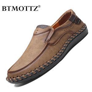 Cuero genuino zapatos casuales para hombre Los hombres holgazanes de moda transpirable zapatos de conducción se deslizan en los mocasines Tamaño 38-48 BTMOTTZ