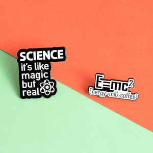 Chimica smalto scienza scienza magica spilla reale distintivo energetico uguale al latte sacchetto di caffè con lapel fibbia fibbia gioielli regalo