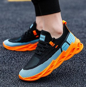 Designer Men Casual Shoes Lightweight Sneakers 2020 New Fashion Men Outdoors Comfortable Breathable Casual Sports Fitness Running Shoes New