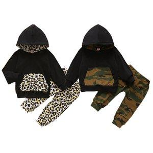 Baby Hoodies Sets Camo gedruckte Tasche mit Kapuze Tops Baby Leopard elastische Hosen-Kleinkind-Jungen-Kleidung Sets Kinder Outfits 061023