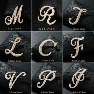 New Rhinestone Crystal Brooches Gold Color 26 English Letters Lapel Pin Shirt Dress Badge Fashion Jewelry for Women Accessories