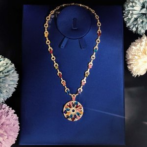High-end Luxurious Ball Lady Necklace Party gathering Choi Po colour Necklace circular Superior quality Free shipping Queen Fan Er noble