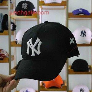 Etiqueta Big Bee NY Cap Coreano Sun Hombre y Versátil de Mujeres PP Hilo Bordado Sombrero de Béisbol