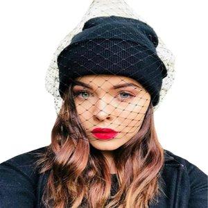 Le donne del Fishnet del merletto Veil Crochet maglia Skullies Cap femme inverno caldo strada del cappello del Beanie della signora sexy maglie festa da ballo cofano gorros