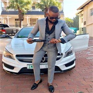 Hot Sale Groomsmen Peak Lapel Groom Tuxedos Light Grey Men Suits Wedding Prom Dinner Best Man Blazer ( Jacket+Pants+Tie+Vest ) K766