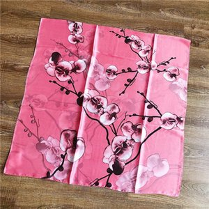 2021 Spring and Autumn New Flower Printed Silk Scarves Ladies Fashion Bita Scarves Egruous temperament shawl