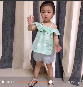 Girls Bretelle floreali Top + Pants Outfits Estate 2019 Bambini Boutique Abbigliamento Coreano 1-4T Neonati Bambini senza maniche Bretelle 2 pezzi Set