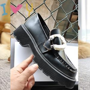 Заводская обувь Новое Прибытие Женщины Loafer Обувь Мода Обувь на открытом воздухе Кожа с бегущей Обувь Повседневные Платья