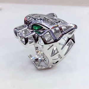 Trendy Hollow Leopard Animal Finger Ring Green Eyes Hollow Panther Heads Ring for Men Women party Jewelry1
