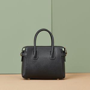 genuine leather Boston 2019 new large capacity shoulder fashionable simple messenger portable women's bag