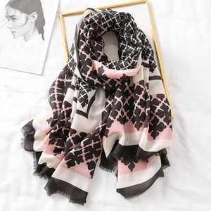 2019 Chinese Quality Silk Four Seasons Lady Sunscreen Beach Shawl Women New Print Cotton Material Scarf Fashion Headscarf sqcGcB