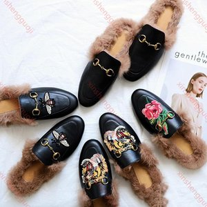2019 hococal Ladies luxury Designer Shoes Designers Slides Loafers Ladies Casual Slippers Genuine Leather Sandals Fur Slippers