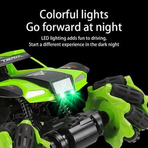 Noel / Yeni Yıl Hediye Akü Elektrikli Yüksek Hızlı Araç Işık Oyuncak 360 döndürün yarış arabası Şarj Çocuklar 4WD Radyo Kontrol İç için