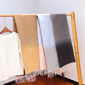 Degradado de invierno moda seda bufanda nueva llegada hombre mujer chal bufanda 3 letras de estilo bufandas tamaño 60-190cm de calidad superior