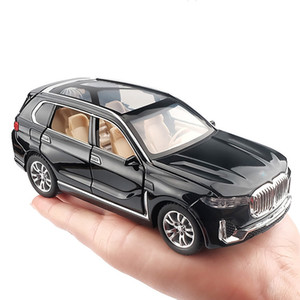Simulation Alloy Toy Cars Diecast Pull 1:32 Back SUV Car Model Children Toys Off-road Vehicles Decorations Christmas Gift