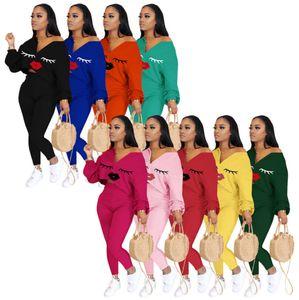 Women Tracksuits 2 Pieces Set Solid Color Mandy Classic Lip Printed V-neck Bat Sleeve Top Trousers Ladies Fashion Autumn Winter Sportwear P6