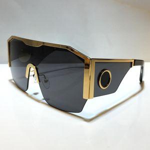 2220 남자를위한 새로운 선글라스 패션 전체 프레임 UV400 자외선 보호 렌즈 스팀 펑크 여름 정사각형 반 상단 금속 프레임 스타일 comw 패키지