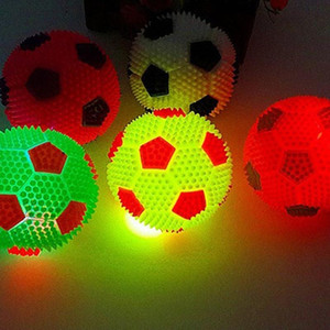 High Quality Flashing Light Up Colorful Toy Ball Novelty Sensory Dog Ball Squeak Toys Sound 7cm