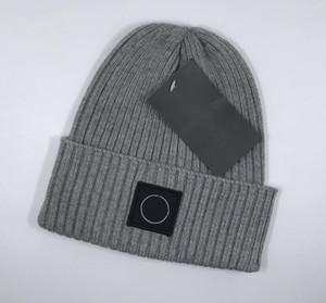 Nuova Francia mens Fashion Designers hatsForeign cappello di lana a maglia commercio uomini Cappello e cappello caldo di lana delle donne